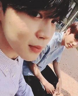 Messages >> Jikook - XV - Time with you #wattpad #fanfic Ele agora sofria em silêncio, não pedia mas sua alma implorava por ajuda, Jeon Jungkook precisava desesperadamente ser salvo