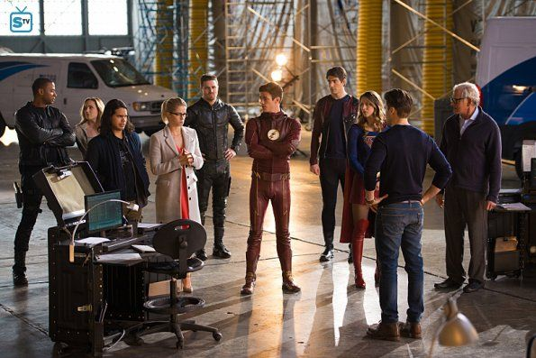 "#LegendsofTomorrow #Season2 #2x07 ""Invasion"" Promotional Photos"