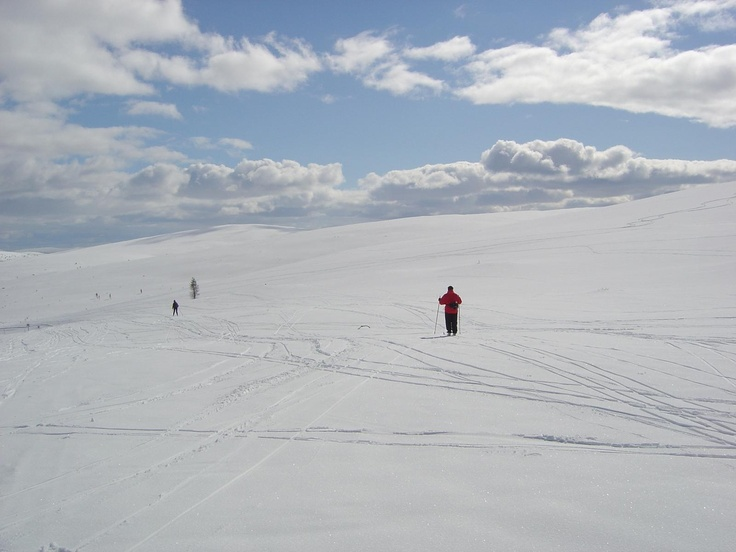 In Kiilopää, the distances are difficult to estimate, as there are just the sky and the fells.