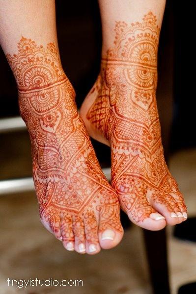 lovely foot henna.