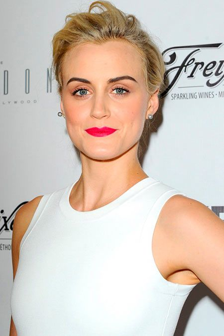 Updo Hairstyles 2014 Taylor Schilling's Updo Hairstyle