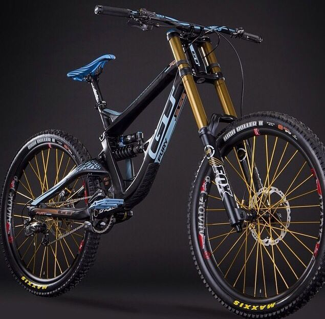 Top 10 Downhill Bikes Of 2014 - YouTube
