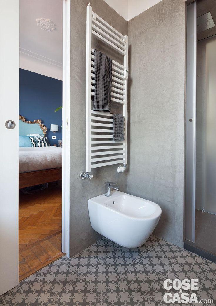 Ricavare due bagni da uno, con doccia passante. Progetto e