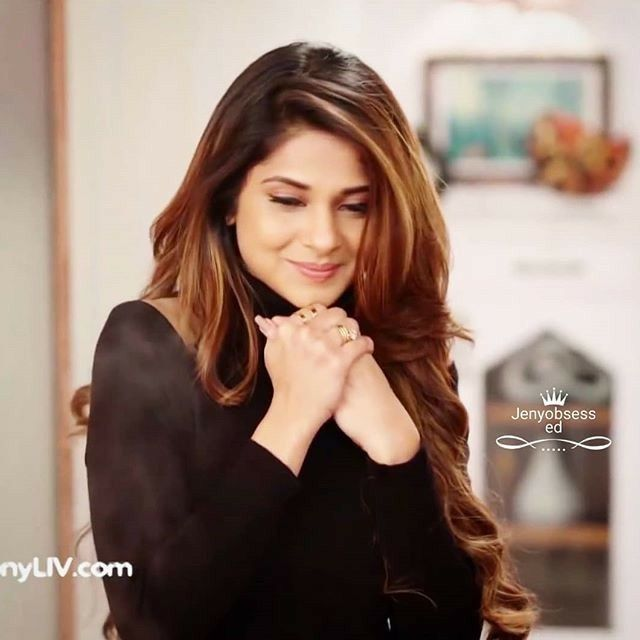 Pin By Navshin Shaikh On Jennifer Winget Jennifer Winget Hairstyle Beauty