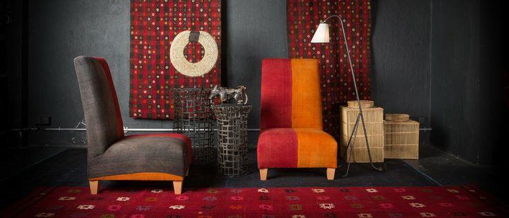 LA MAISON GÉNÉRALE la boutique mobilier design de Saint Malo. Chauffeuse pièce unique recouvert d'un Perdé ancien Turc rouge et orange.