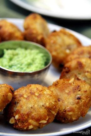bread poha vada is a instant vada made with basic ingredients. This bread vada or poha cutlet is crisp and easy evening snack also kids snacks .