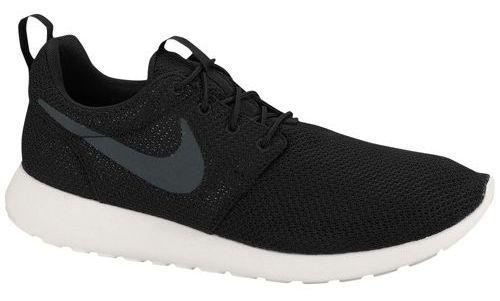Black and white Nike Roshe Run