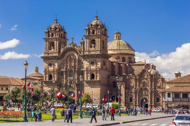 Byen Cusco er spækket med historiske bygninger i et mix af spansk renæssancearkitektur og inkaernes fine stenarbejde.