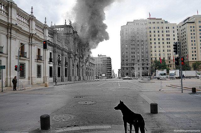 Calle Moneda, actual Plaza de la Constitución by Andrespintamonos, via Flickr