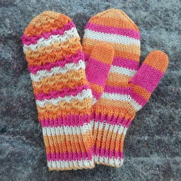 Orange-pink-white mittens made 14.9.2016 Novita 7 veljestä Raita yarn, needles 3,75, size woman M.