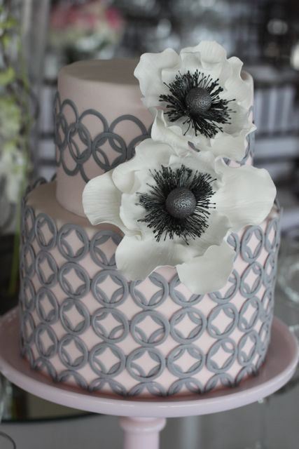☃☂☞ Pink& Grey Anenome cake: I absolutely love everything about this cake - from the pale pink fondant, to the grey detailing on both tiers, to those gorgeous sugar anenome flowers! Yes!