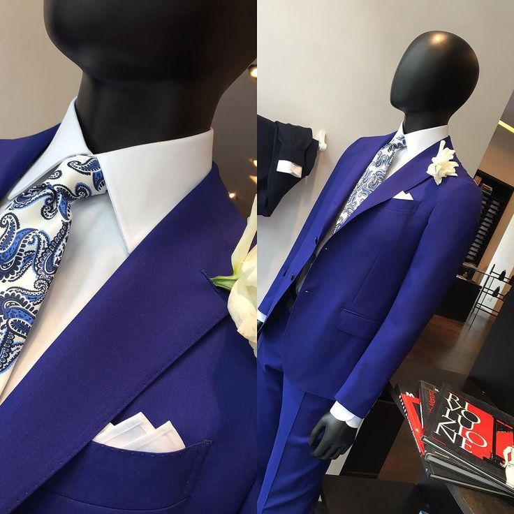 Abito #Lardini semi sartoriale #slimfit tessuto #VitaleBarberisCanonico 150's colore bleu #Capri #camicia batista cotone #mensfashion #menswear #moda#musica #mood - Coi secchi di vernice coloriamo tutti i muri (#Cocciante). Design your suit: Tailor4less.com