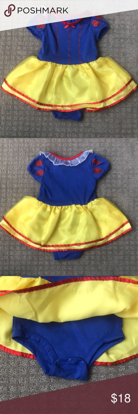 NWOT- 12M Disney Parks Original Snow White Onesie NWOT 12M Snow White Onesie Outfit. This has never been worn or washed. I took the tags off before I put it on and it was too small. Perfect for your little girl. Measurements are included. If you have any questions, let me know!  Offers accepted Disney Costumes