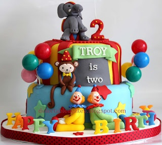 Circus theme birthday cake