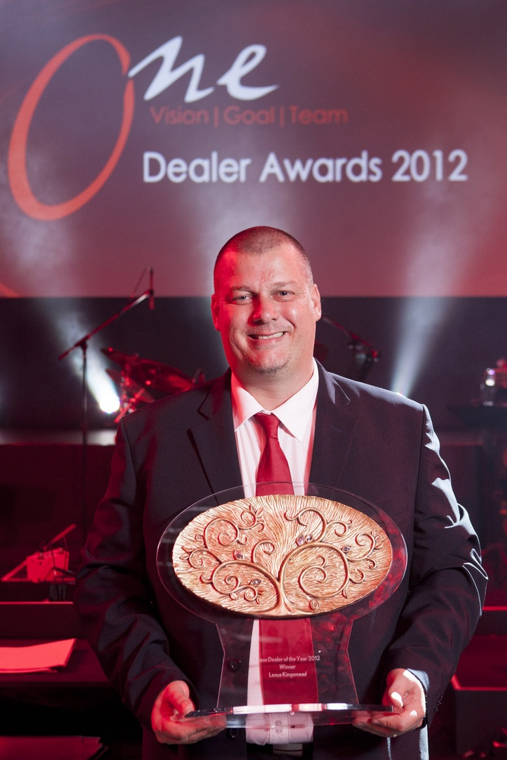 LEXUS AWARDS EXCELLENCE AT THE DEALER OF THE YEAR AWARDS