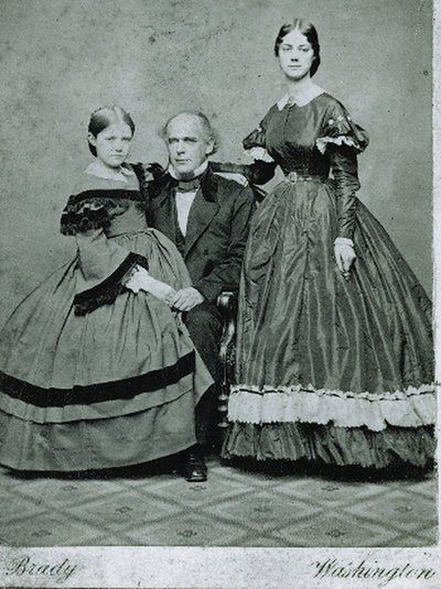 kate chase - her sister Nettie and father before the war