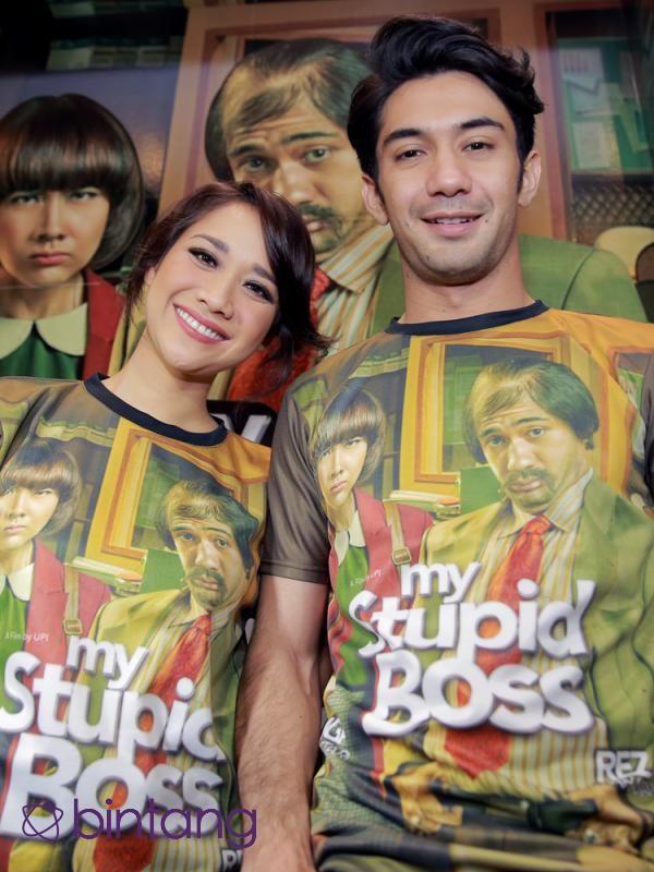 Showbiz : BCL Dibikin Tertawa Reza Rahadian di Film My Stupid Boss