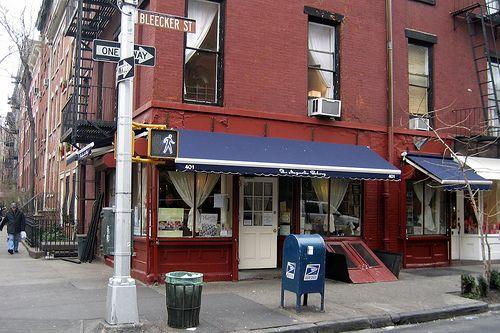 NYC - West Village: Magnolia Bakery
