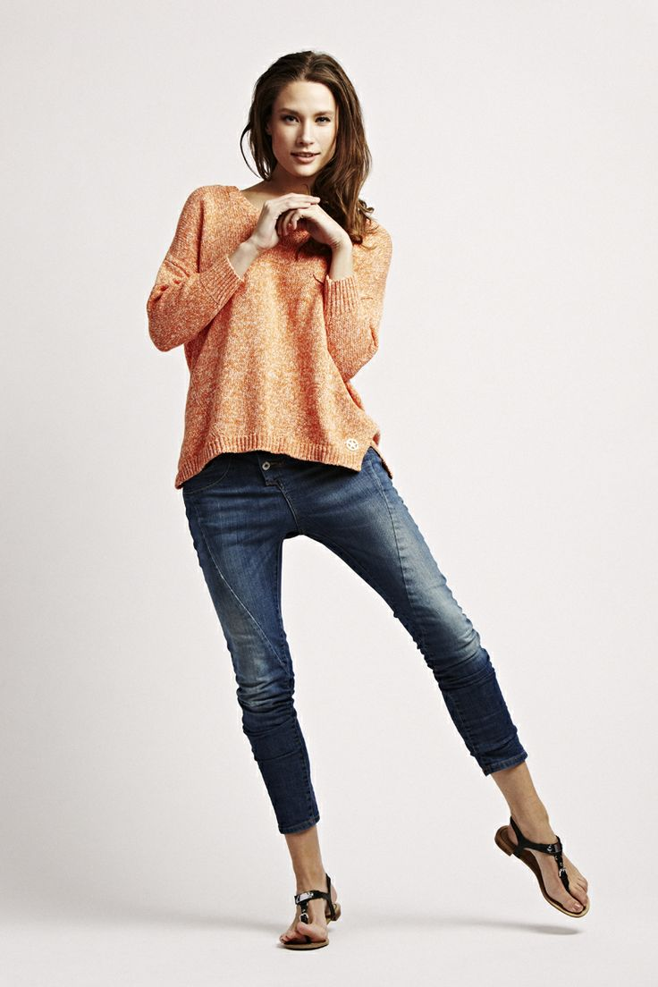 3/4 sleeve hem sweater from florence design in white/orange, white/blue and pink/blue! <3