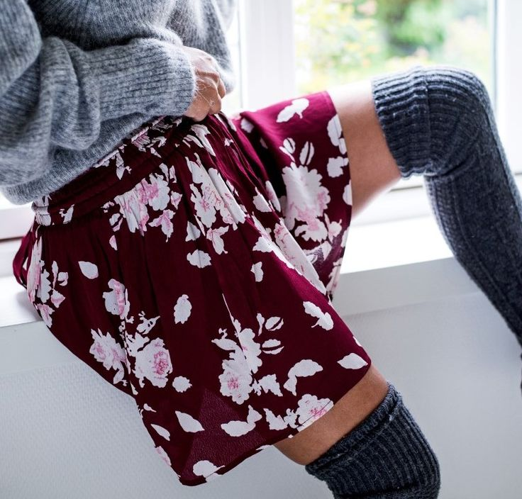 MISSMAYA Mira Skirt Burgundy Flower