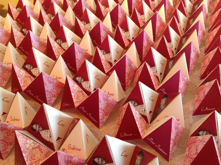 """Faire-part de mariage format origami """"cocotte en papier"""".  Enveloppe personnalisée et mode de pliage."""