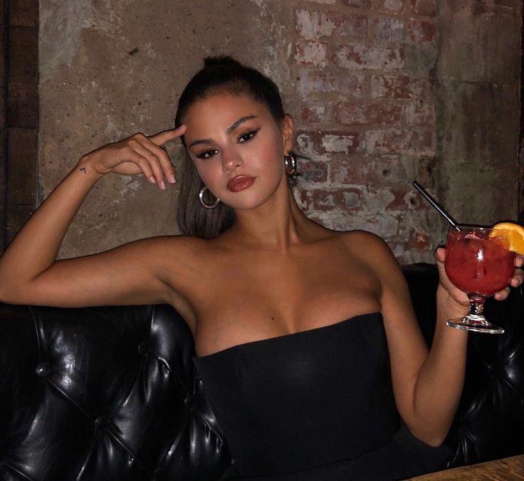 Selena Gomez erased her most beloved Instagram after boob job allegations