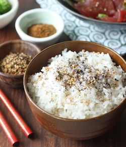 Обжаренная капуста с японскими кунжутное приправы рецепта seasonwithspice.com