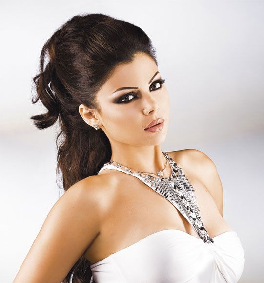 Gorgeous Haifa Wehbe - great makeup as usual!
