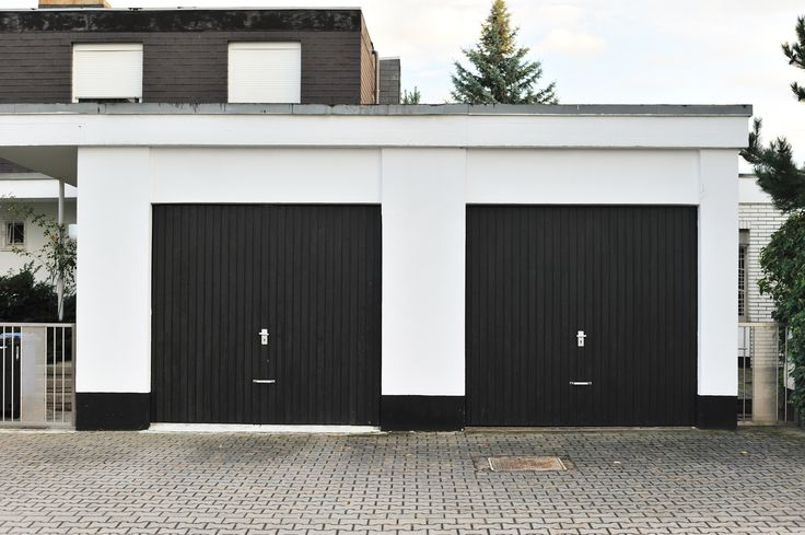 How To Create A Faux Carriage Garage Door. Also, See The Difference Between  Blue Painters Tape And Green Frog Tape. Which Is Better?