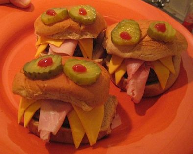 How cute feed the kids monster sandwiches looks easy enough!