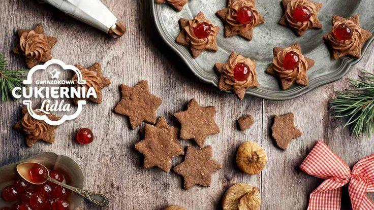 Kruche ciasteczka w kształcie gwiazdek, z korzennymi przyprawami - to doskonały pomysł na świąteczne wypieki. Wypróbuj koniecznie!