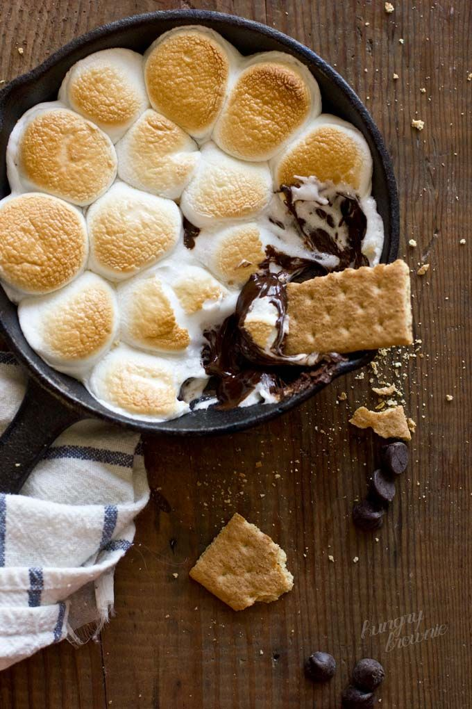 S'mores Dip recipe: Awesome alternative to the traditional version, made for campfire cooking: Camps Treats, Hungrybrowni Dips, Dips Smore, Campfires Treats For Kids, Smore Dips, Dips Recipes, S More Dips, Mom Pick, Campfires Food