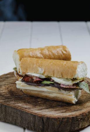 ساندوتش الباذنجان المشوي