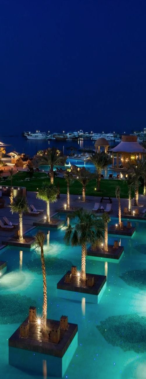 SHARQ VILLAGE & SPA...DOHA QATAR I would definitely live in Doha!!