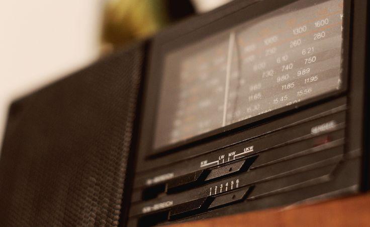 Örökség. Régi elemes rádió, ami máig kiválóan működik.