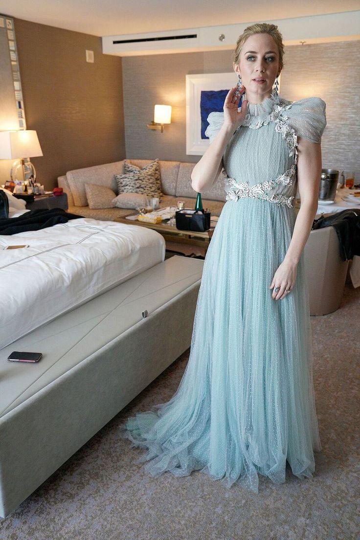 398 best Oh So Posh images on Pinterest | 2017 red carpet dresses ...