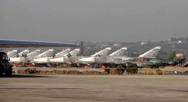 Russische Kampfflugzeuge auf dem Stützpunkt Hmeimim bei Latakia: Seit mehr als...