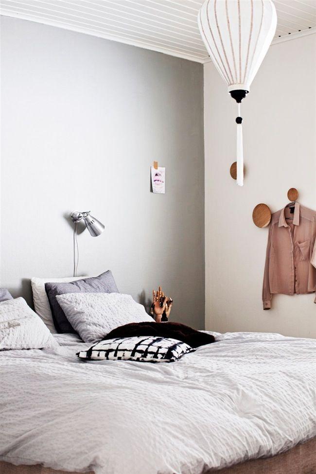 Grey wall, Muuto Dots