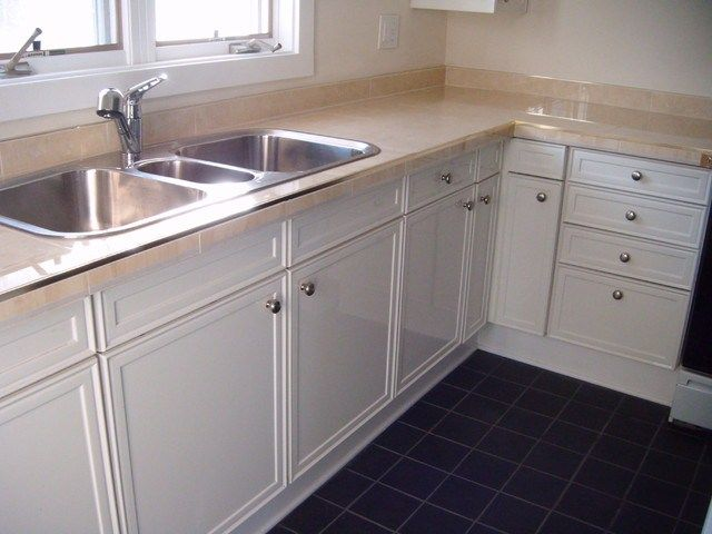Recycled Cabinets Restore Traditional Kitchen Chicago Restored Cabinets Renovated Craftsman Kitchen House Online Habitat Humanitycraftsman