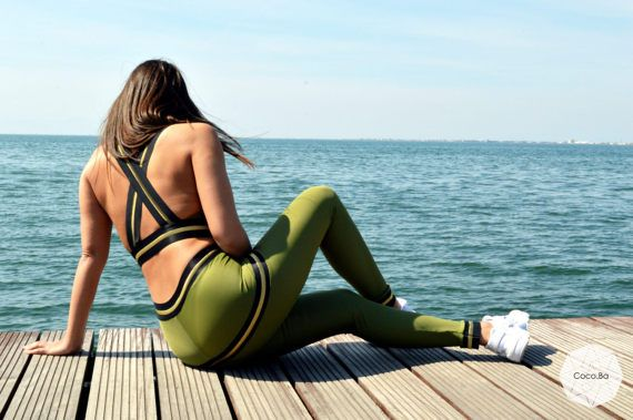 Woman Outfit Workout Set Green Leggings Workout Leggings