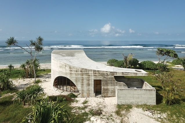 La Plage du Pacifique. Love this project and hope to stay there one day!