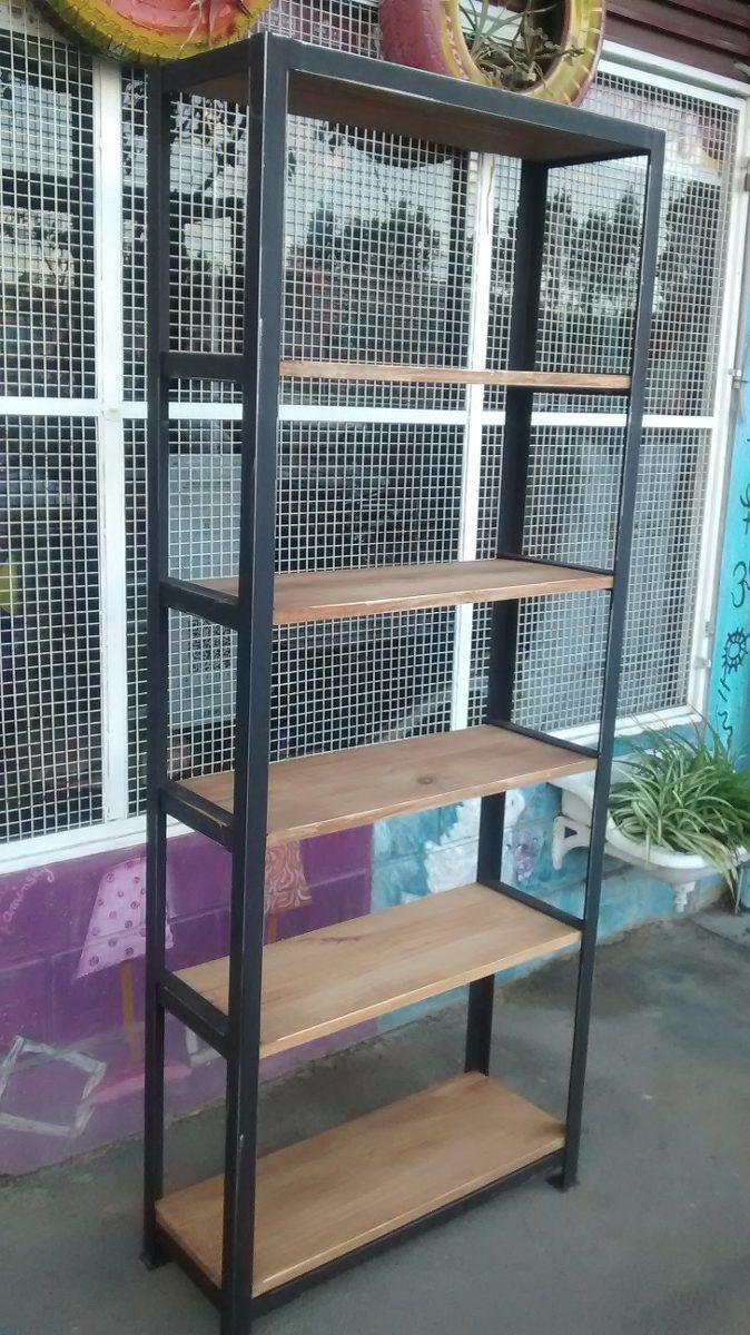 biblioteca-estanteria de hierro y madera rustica