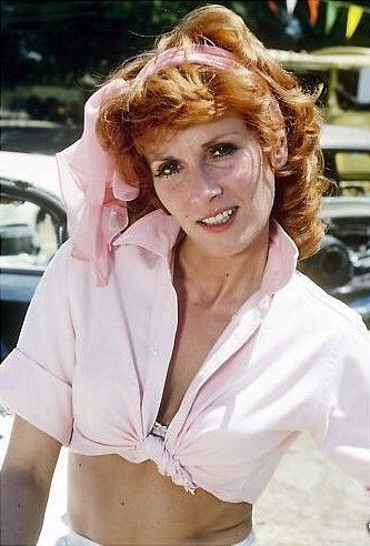 loved pinky tuscadero from happy days! she and fonzi!