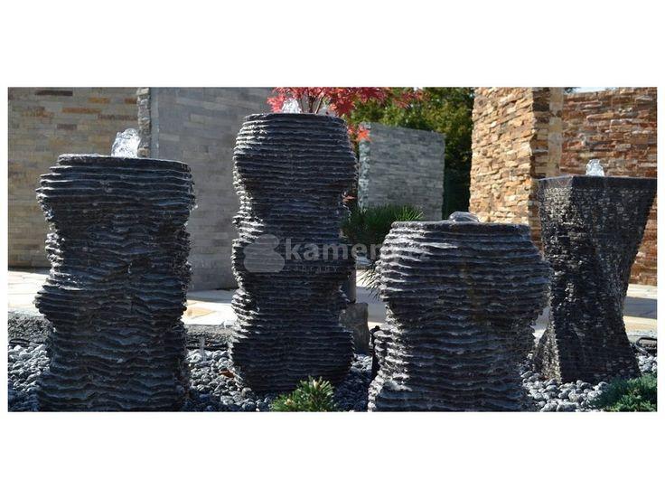 Kamenné fontány originál jsou vyrobeny z přírodního vápence.