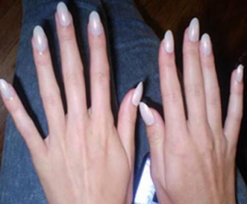 In Almond Shape The Nails Are Rounded On Corners And Slightly Pointed At