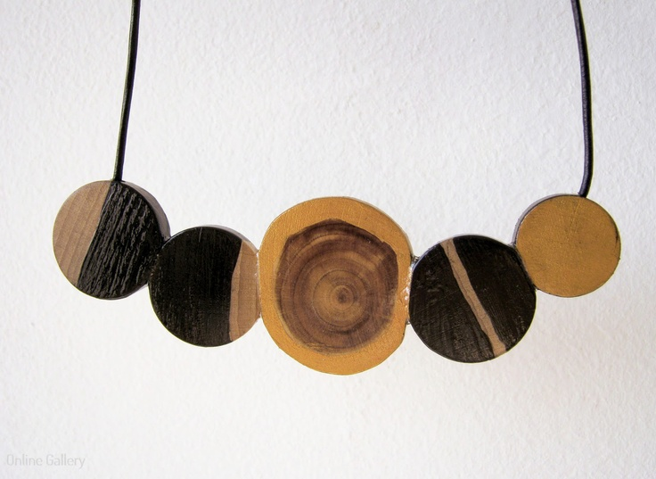 colier-cercuri-negru-auriu
