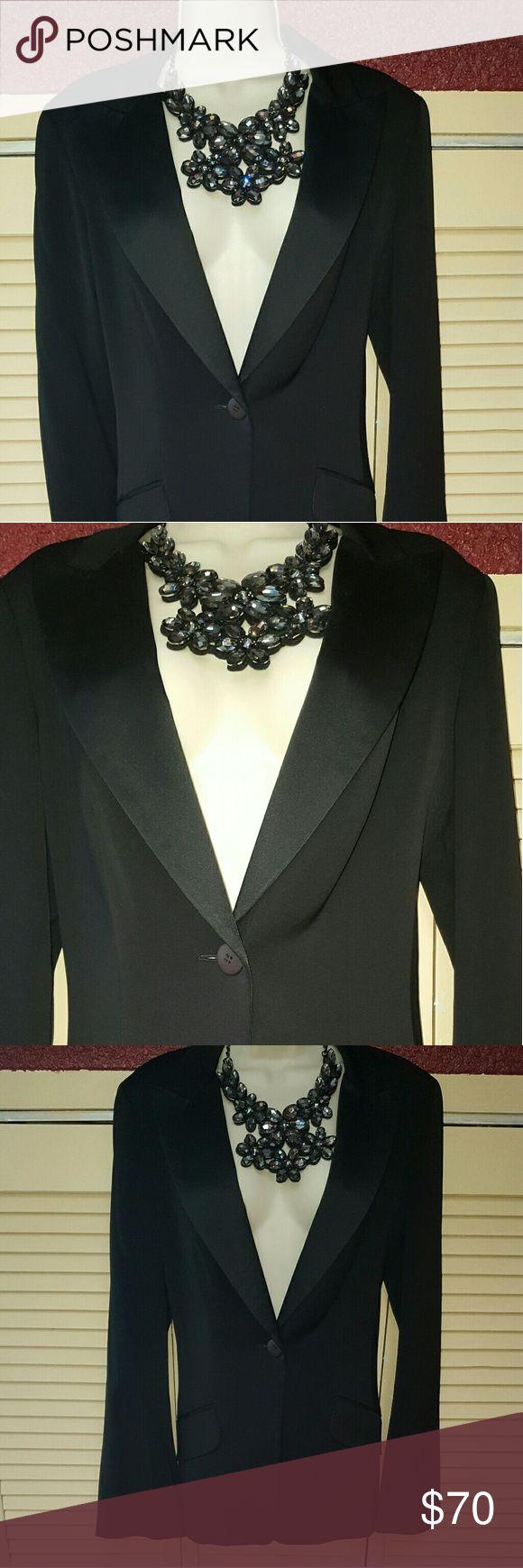 SALE $40 NWOT David Meister Evening Tuxedo Jacket Black size 10 tuxedo jacket feminine cut  satin lapels and satin piping. Sophistication and style David Meister Jackets & Coats Blazers