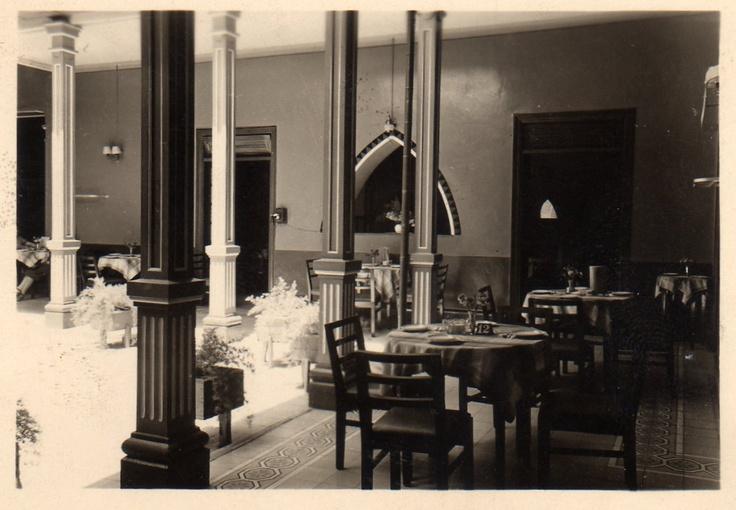 """Hoy es viernes del recuerdo en la @reposteriaastor """"Foto antigua Salón de Te Astor Junin"""""""