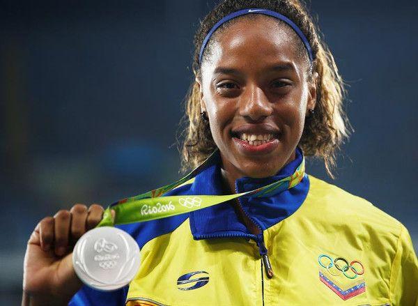 venezuela en podio salto triple 4