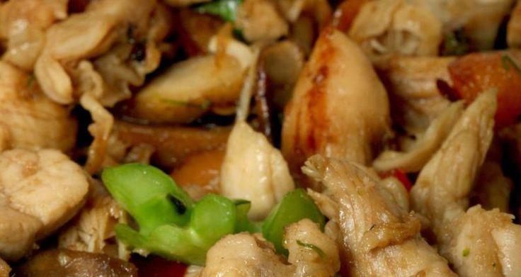 Κοτόπουλο Χοϊσίν με καρύδια και μανιτάρια